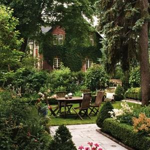 overview-of-garden-landscape