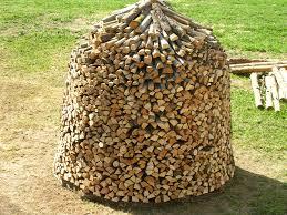 firewood-stack-circular-shape