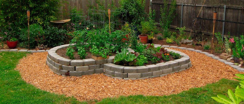 organic-gardening-hemp-mulch